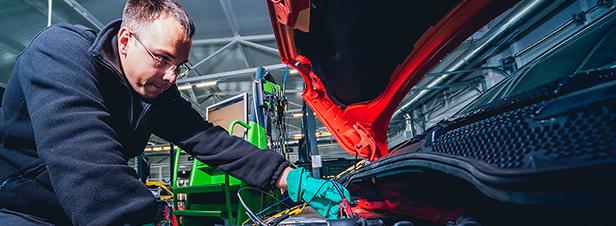 Une nouvelle formation en maintenance de batteries électriques